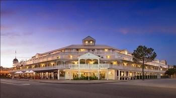 Rydges Esplanade Hotel